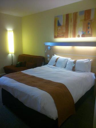 Holiday Inn Express Bedford: bed was very comfortable and spotless