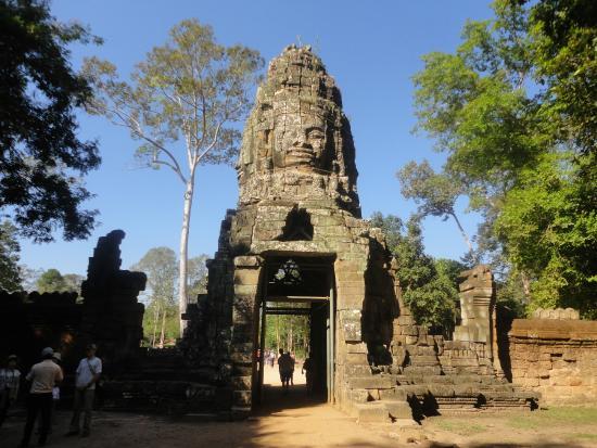 Amanhecer em Angkor Wat - Picture of Angkor Archaeological ...