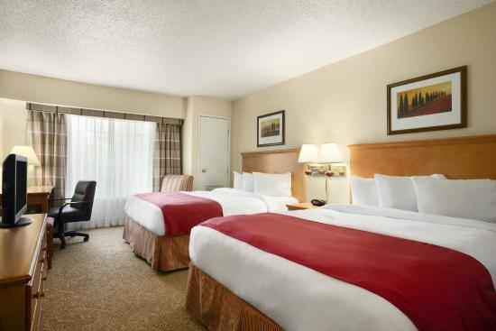 Country Inn & Suites By Carlson, Columbus Airport: Two Queen Standard Guest Room