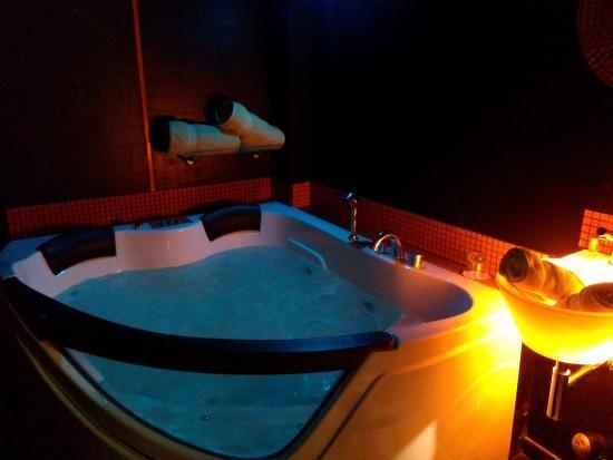 "Bubble Lounge Hotel: Chambre ""Pop Art"""