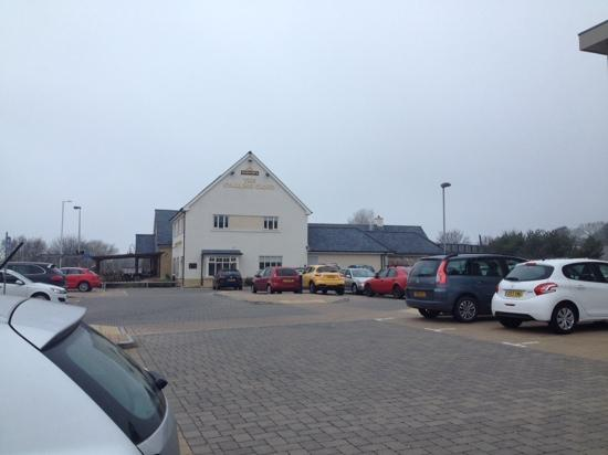 The Starling Cloud: The pub and car park.