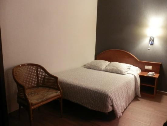 Hotel Cortes: the room