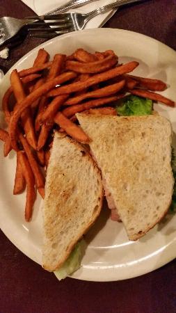 Hollywood's Restaurant & Bkry: Duke of Earl Sandwich with sweet potato fries!