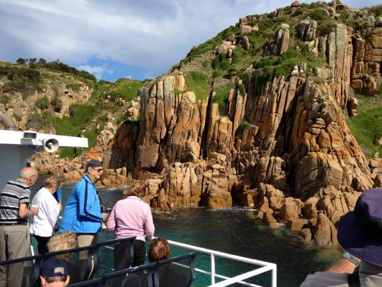 Wildlife Coast Cruises: Cape Woolamai cliffs on the Captains Lunch Cruise