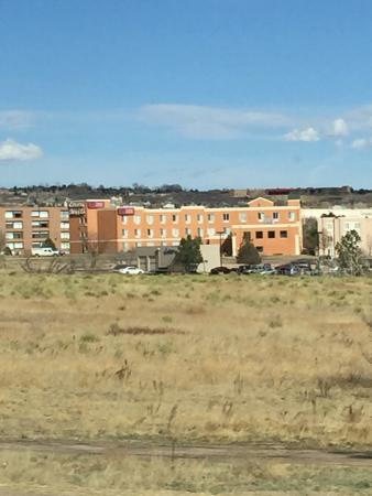 Comfort Suites Colorado Springs: View from I-25. Very nice hotel.