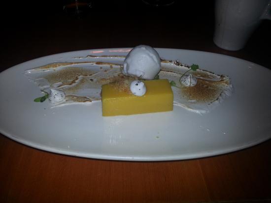 Jackie's Restaurant: Passion Fruit dessert