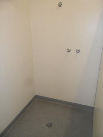 Launceston Backpackers: Bathroom