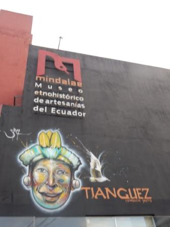 Museo Etnohistorico Del Artesanias Del Ecuador-Mindale