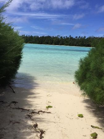 Sokala Villas: Private beach out from the villas
