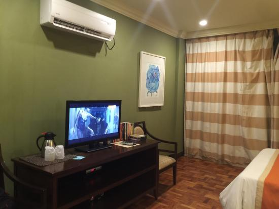 Milflores de Boracay: Other side of the room
