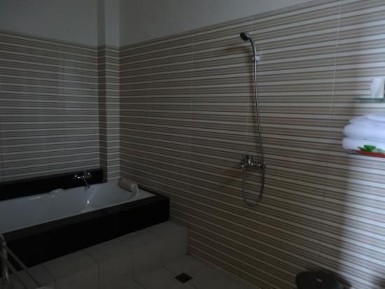 Aditya Homestay : Badezimmer