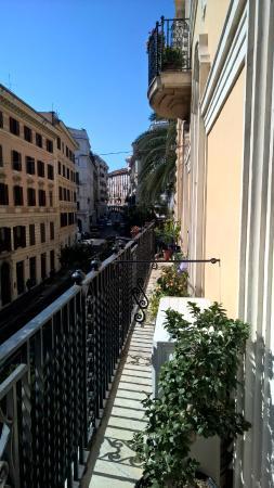 B&B Rome Charming House: Aussicht vom Balkon