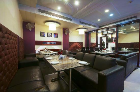 Hotel Delhi 37: Restaurant