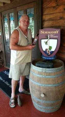 Wiss House Bed and Breakfast: Nearby Normanby Winery