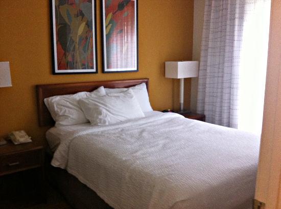 Residence Inn by Marriott Charleston: Bedroom