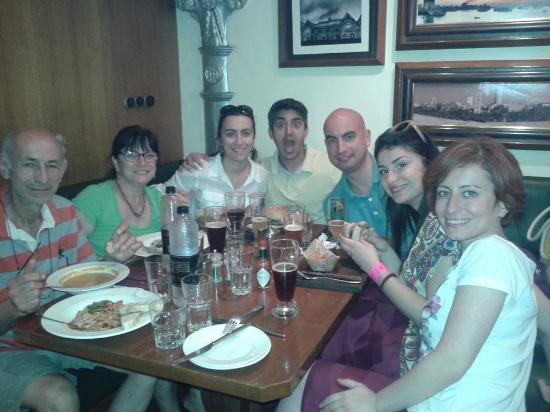 Woodside Inn Restaurant: great time!