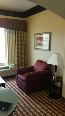 La Quinta Inn & Suites Bryant: Very nice clean room spacious.. CLEAN BEYOND BELIEF THANK YOU LAQUINTA