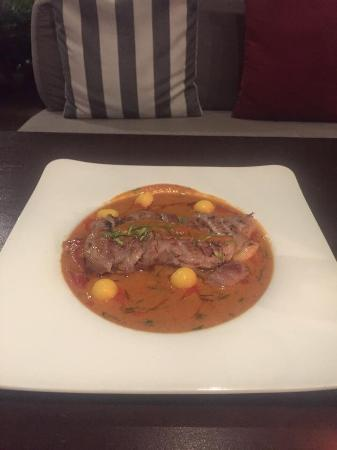 BEYOND THE SEA, Siamese Brasserie: Wagu beef in red curry sauce...yummy!