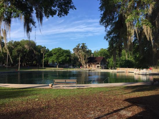 De Leon Springs State Park : Waiting with a view for our tasty pancakes!
