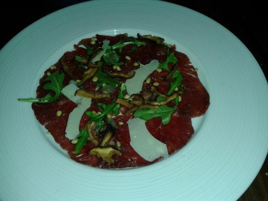 Aria Ristorante: beef tartare (appetizer)