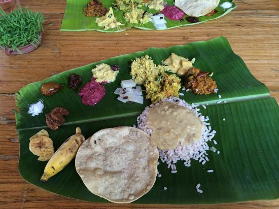 Punnamada Resort: Incredible traditional lunch