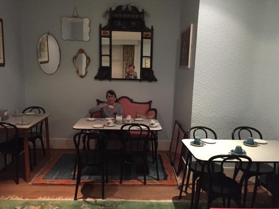 Merlyn Court Hotel: Frühstücksraum im Keller