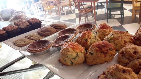 Stone's Throw Cafe: freshies!