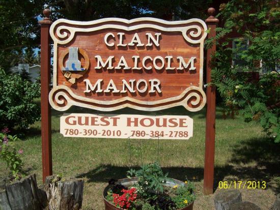 Killam, Канада: Clan Malcolm Manor Guest House