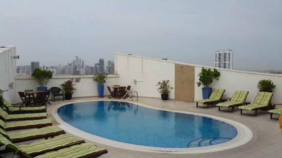 Marmara Hotel Apartments: Swimming Pool