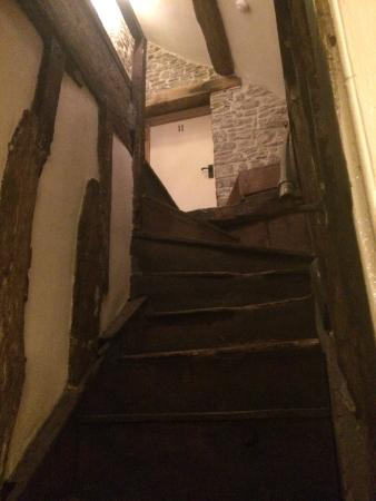 Kings Arms : The stairway to our attic room