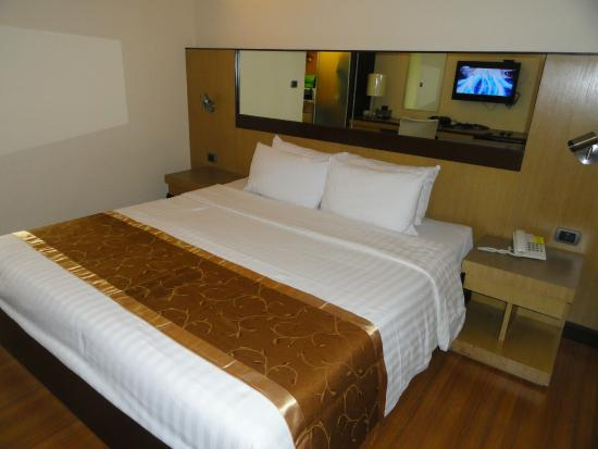 SC Park Hotel : King size bed