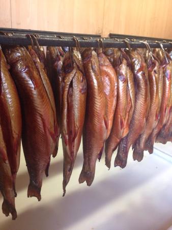 Herzogliche Fischzucht: Blick in die Räucherkammer