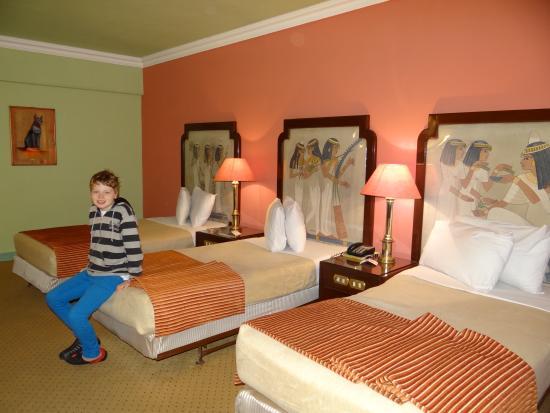 Zayed Hotel: lovely large room