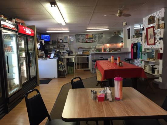 Becky's Grocery & Grill : Inside Becky's