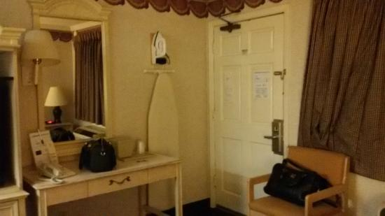 San Francisco Inn: Room
