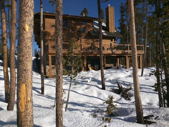Powder Ridge Cabins : ski-in ski-out