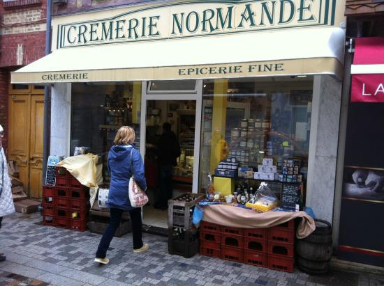 Villers-sur-Mer, Frankrike: best cheese shop in Normandy