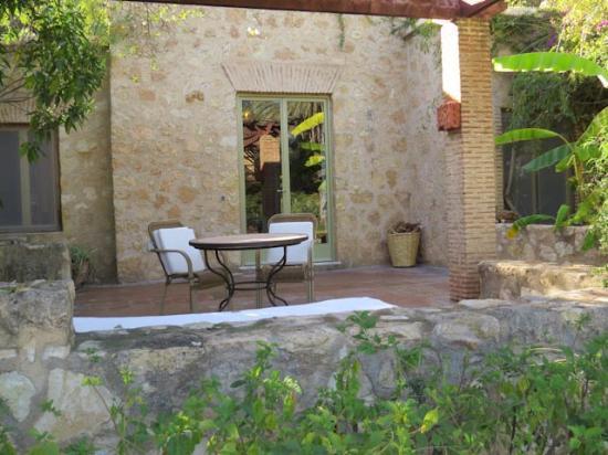 La Gazelle d'Or : Our back patio