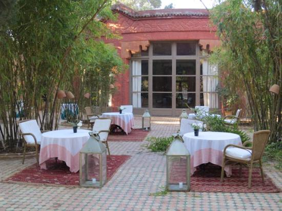 La Gazelle d'Or: Outdoor dining
