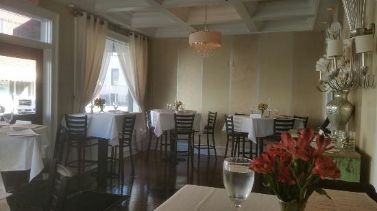 Maxwell's: Lovely, comforting and classy