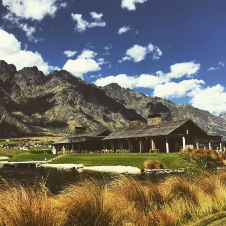 Jacks Point Restaurant: Clubhouse from the 18th hole