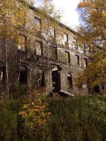 Overlook Mountain Abandoned Early 1920s Hotel