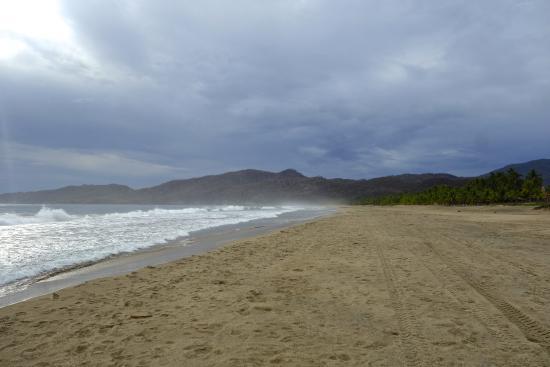 Casa Kau-Kan: The gorgeous beach at Playa Larga.