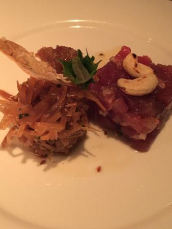 Theo's: Bild 1: das Tuna Tartar