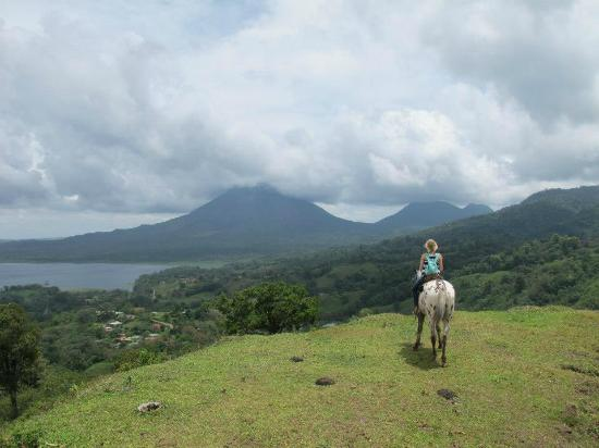 Majestic Lodge : Horseback riding with views of Arenal Volcano
