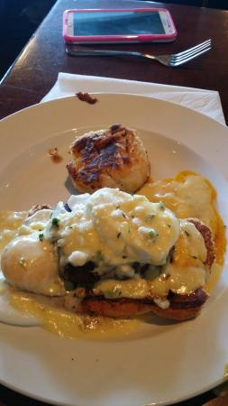 Brick House Tavern & Tap: Filet mignon Benedict was incredibly good
