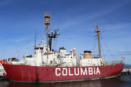 Columbia River Maritime Museum: Outside displays