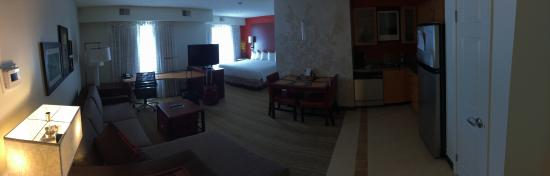 Residence Inn Waco : Panoramic of my very spacious room