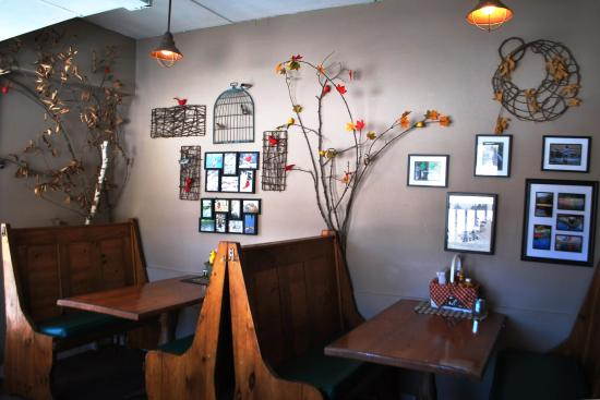 """Blue Moon Cafe: """"Creative Meals Served In A Unique Setting."""""""