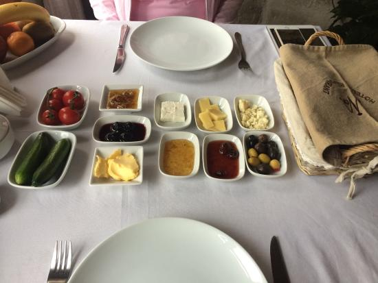 Nostalji Restaurant: A table filled with mezes of cheeses, nuts, fruit jams, olives, bread the minute we sat down.